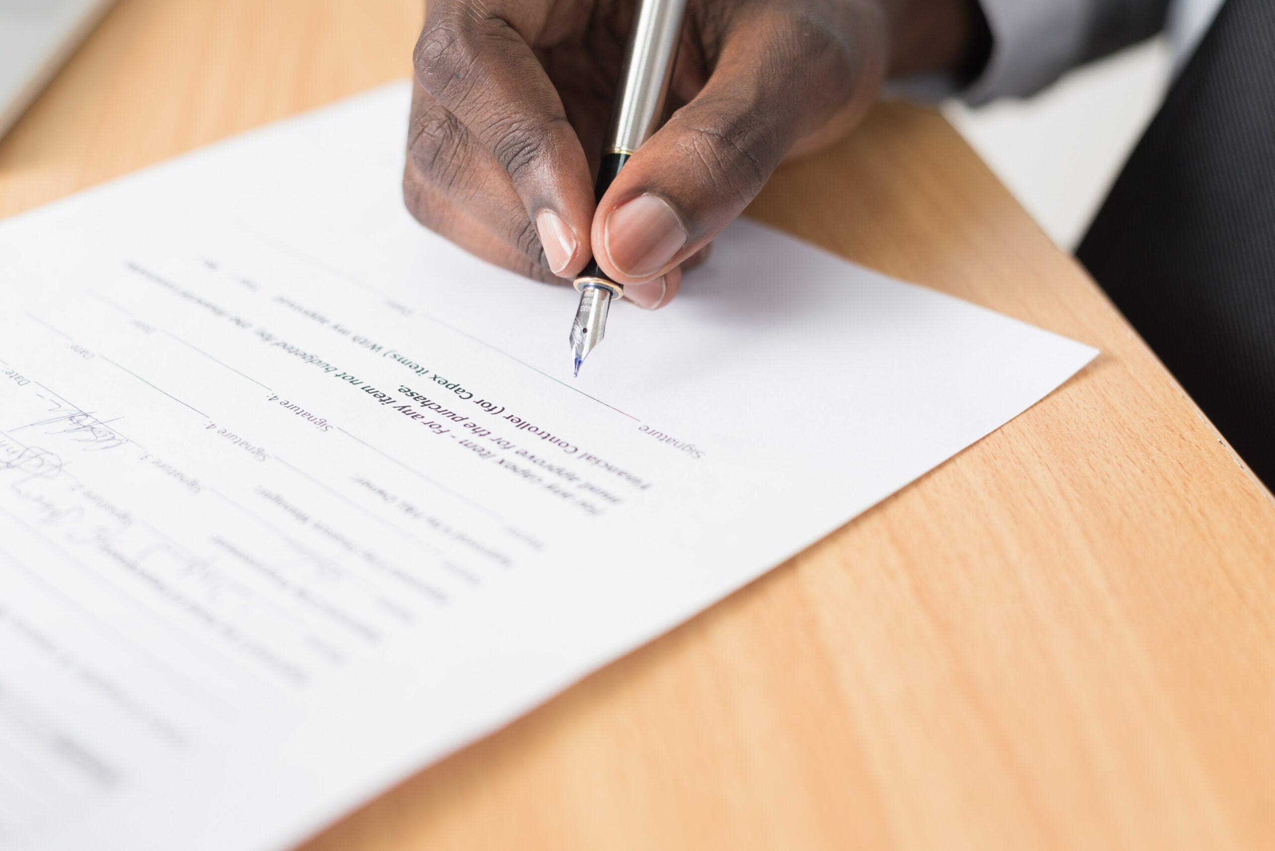 Verträge über 12 statt 24 Monate: Bundestag beschließt Gesetz für kürzere Laufzeiten